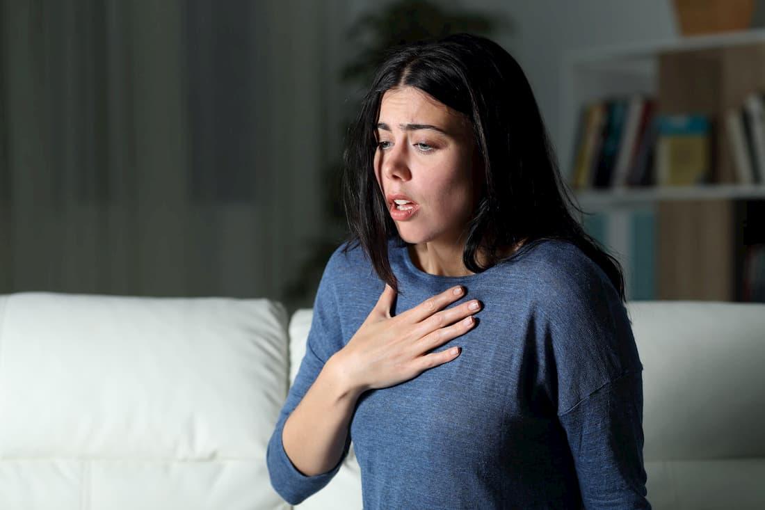 Паническая атака: причины, признаки, симптомы, лечение