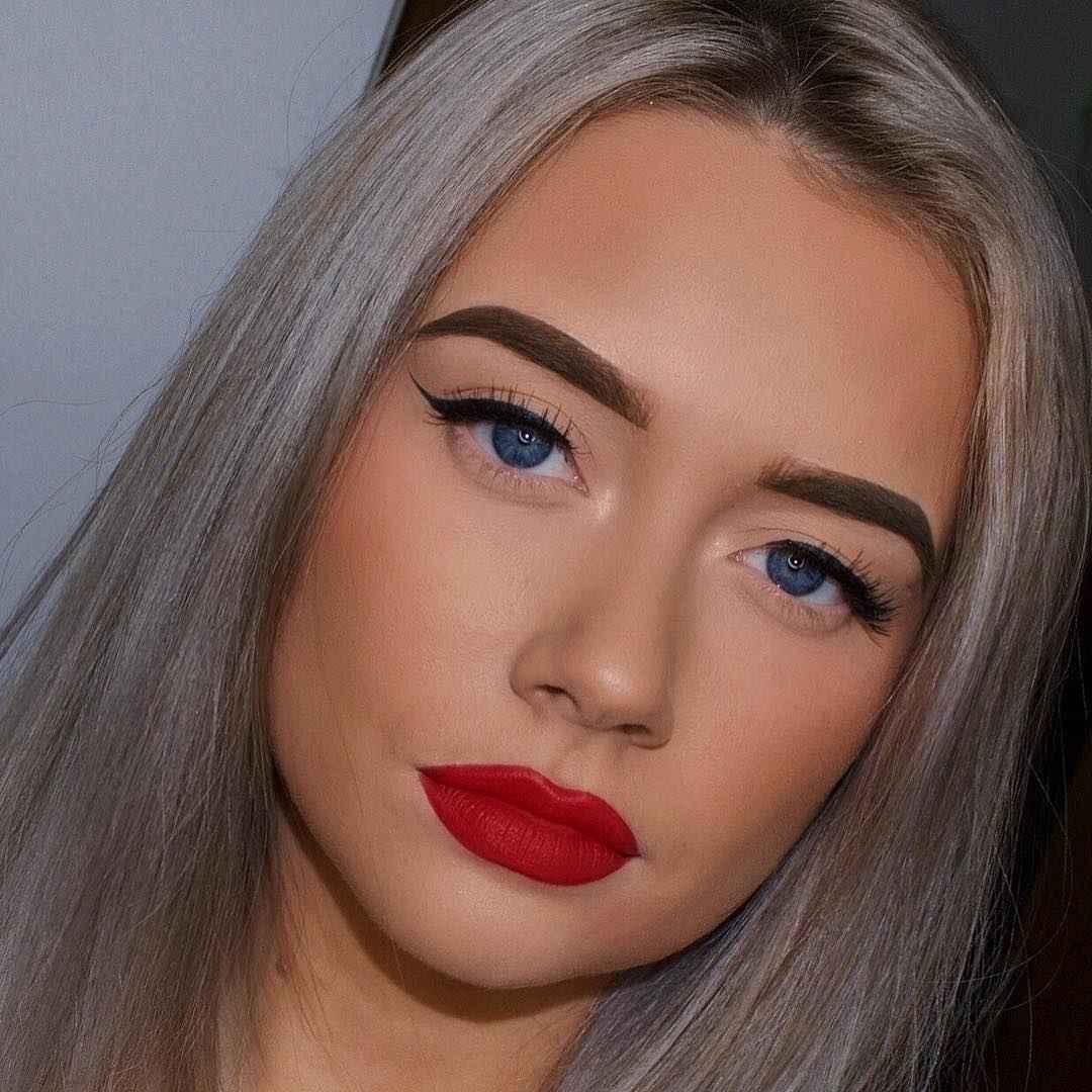 Обворожительный макияж с красной помадой