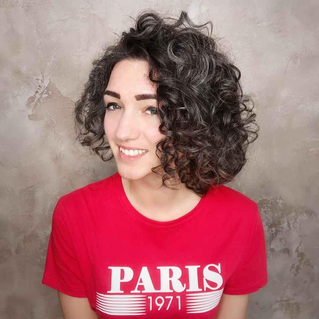 Стрижка каре на вьющиеся волосы 2021: 10 супер идей!