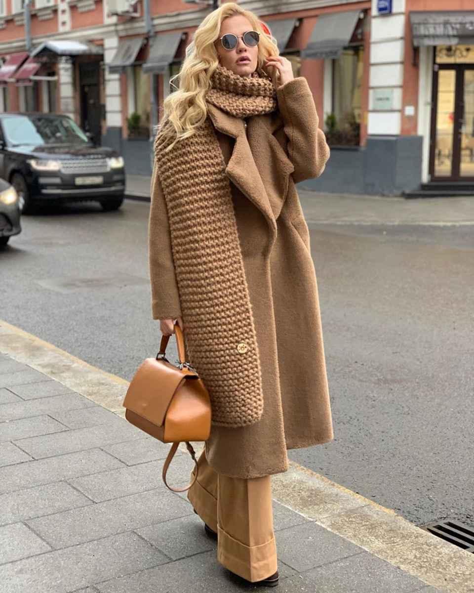 Стильно и необычно: вот, как нужно носить шарф зимой 2020-2021