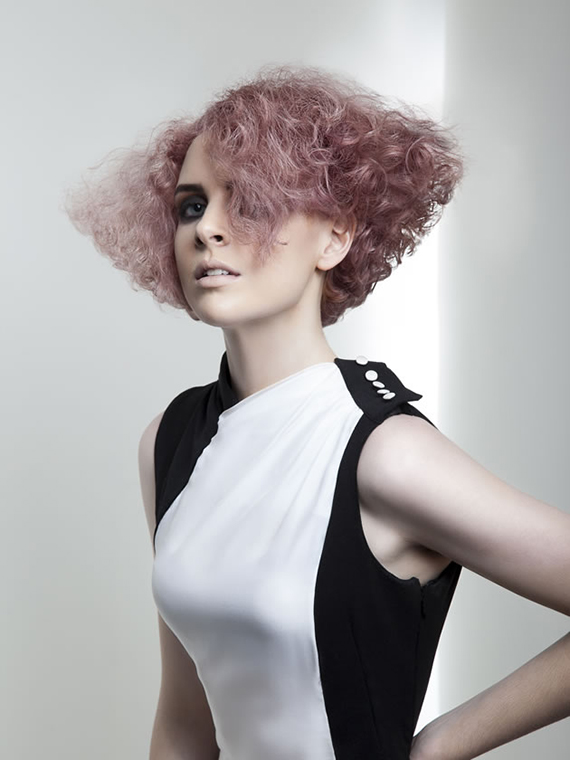 20 модных причесок от звезд, которые помогут придать объем тонким волосам