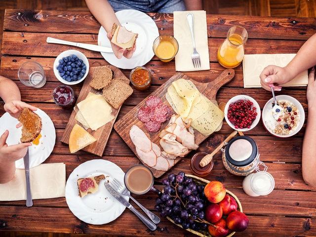 5 рецептов полезных завтраков для выходного дня