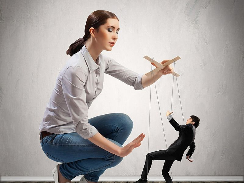 Действия, которые говорят о том что вами манипулируют