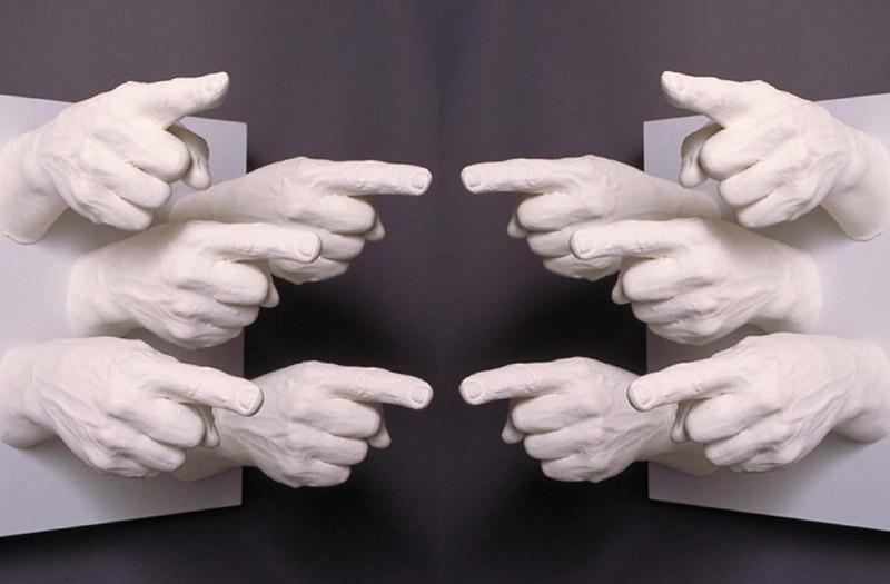Как научиться не испытывать чувство вины за естественные реакции в неловких ситуациях?