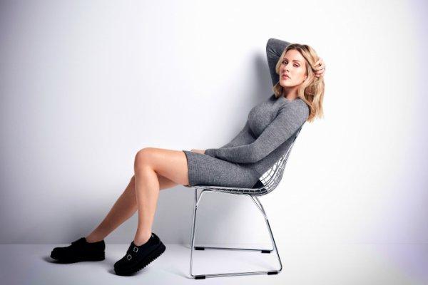 Как положение ног раскрывает характер женщины?