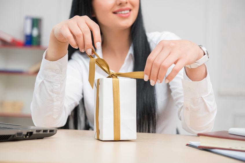 Как правильно дарить подарки?