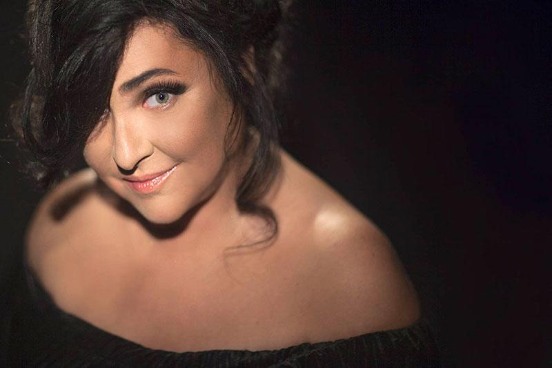 Как выглядят звезды шоу-бизнеса без макияжа?
