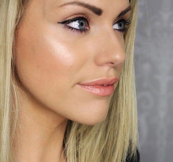 Правильный макияж для женщин возраста 35+