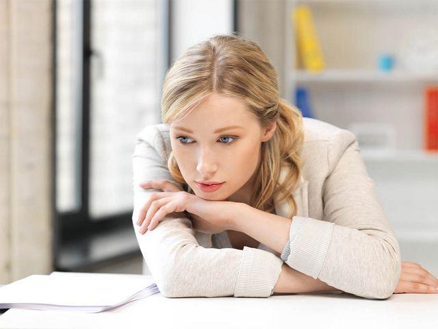 Привычки, которые заставляют людей чувствовать себя несчастными