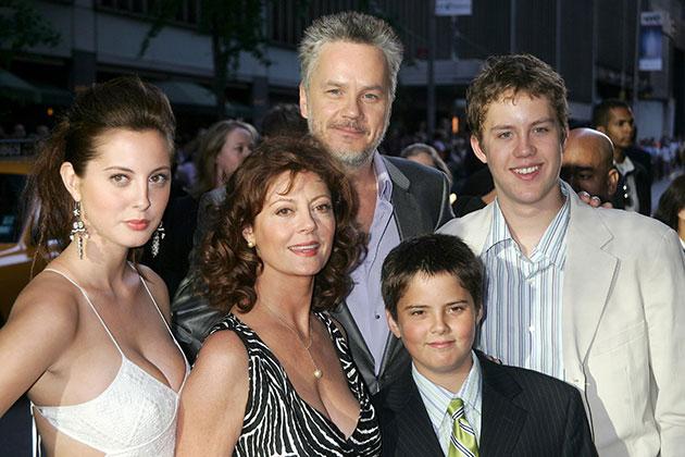 Счастливые примеры позднего материнства в семьях звезд кинематографа