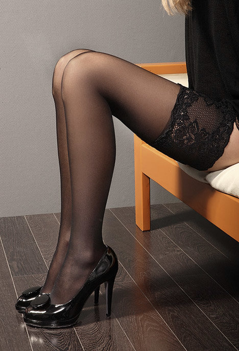 Сексуальный образ: чулки с поясом и без него. Как правильно их носить?