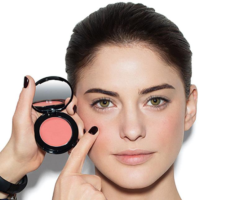 Уходящие в прошлое приемы макияжа, которые вас делают старомодной