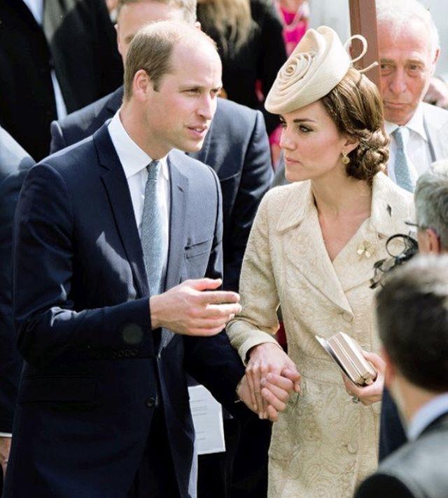 А вам какой образ проявления любви по душе — Гарри и Меган или Уильям и Кэтрин?