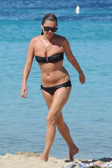 Звезды в купальниках, кому стоит бояться папарацци на пляже
