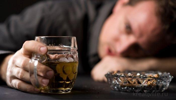 Муж алкоголик, что советуют психологи, чтобы разорвать отношения